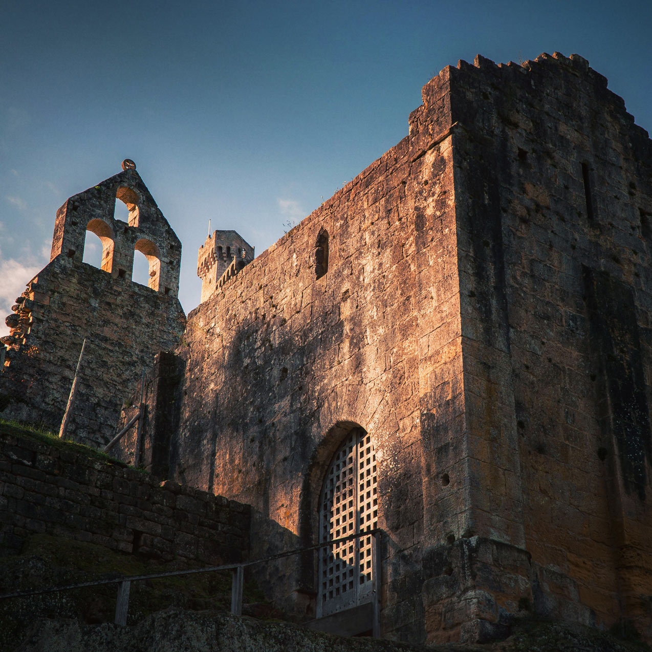 Visiter le Château de Commarque en Dordogne