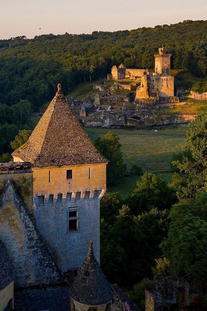 Château de Commarque — Visites, Ateliers, Animations, Jeux, Expositions — Périgord