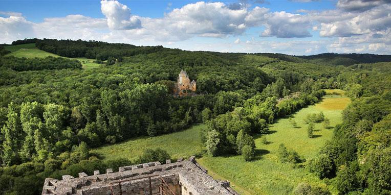 La Vallée de la Vézère, dénommée aussi la Vallée de l'Homme…